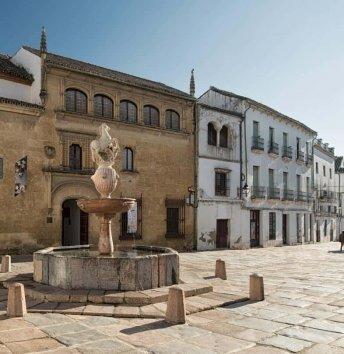 Plaza del Potro y Museo Julio Romero de Torres
